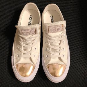 Like New converse !!! White and gold .